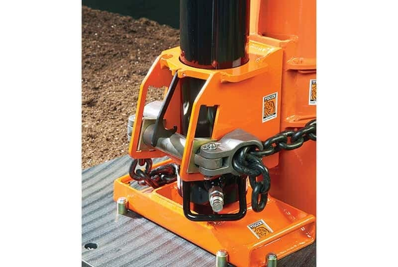 Pole Puller with Clamshell Attachment